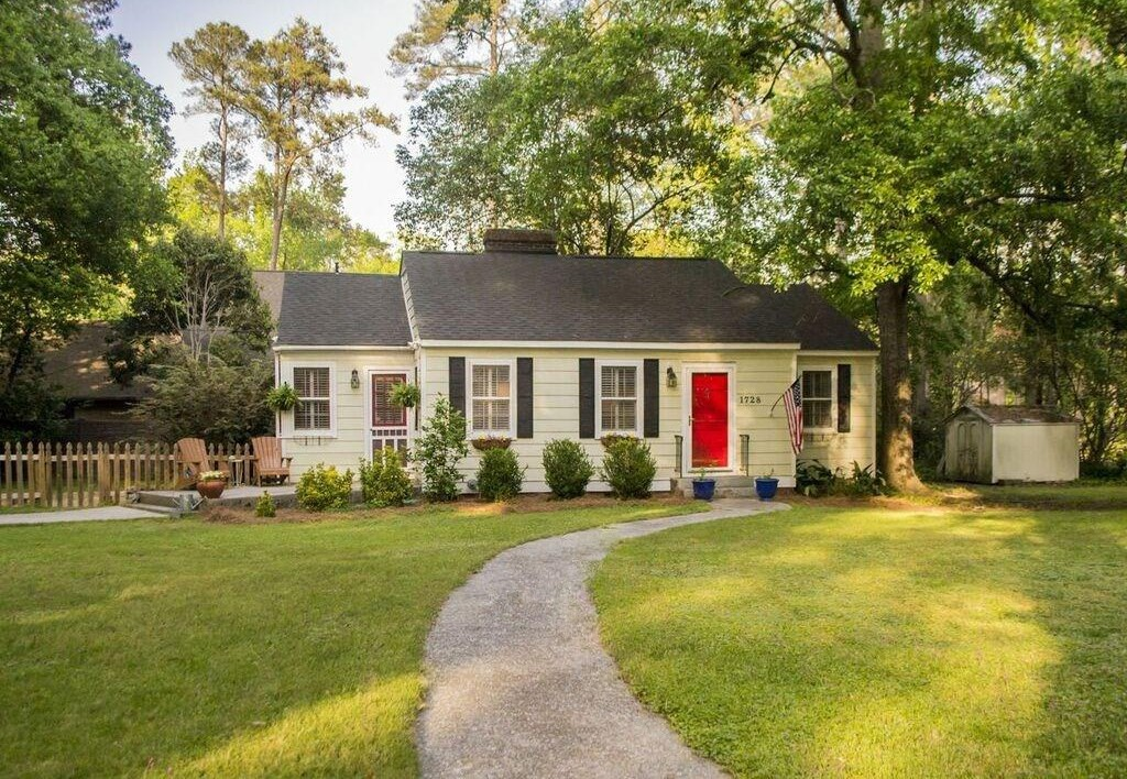 1728 E Buchanan Drive,Columbia,South Carolina 29206,2 Bedrooms Bedrooms,1 BathroomBathrooms,Home,E Buchanan Drive,1231