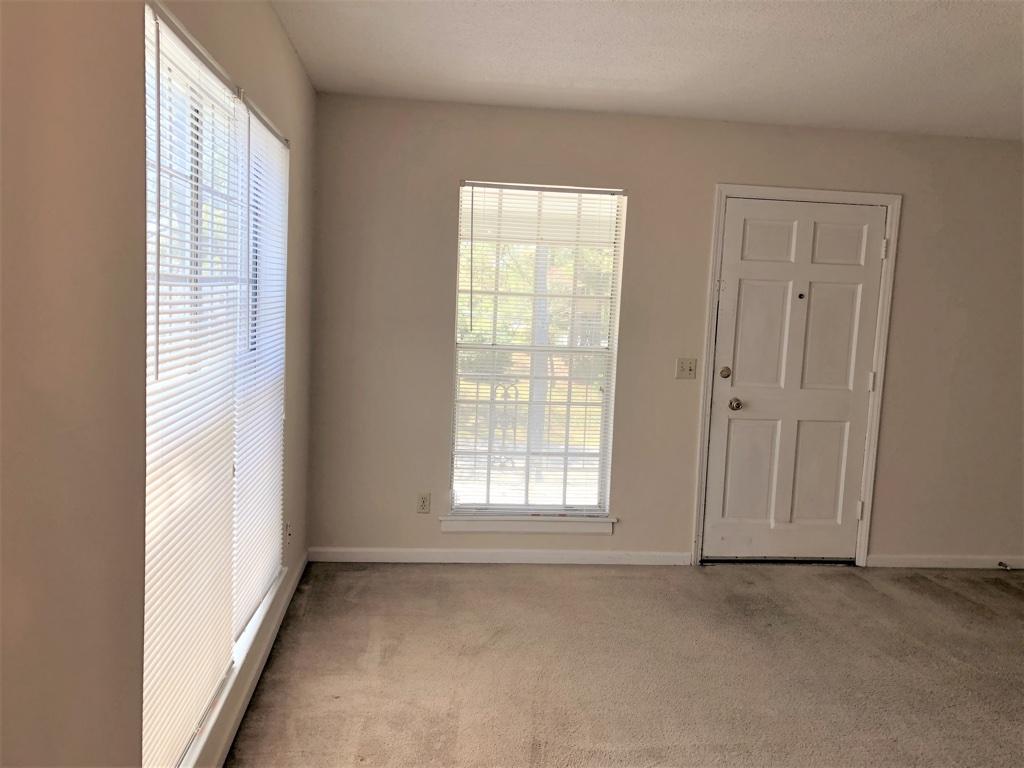 3807 Hickory Street,Columbia,South Carolina 29205,1 Bedroom Bedrooms,1 BathroomBathrooms,Apartment,Hickory Street,1242