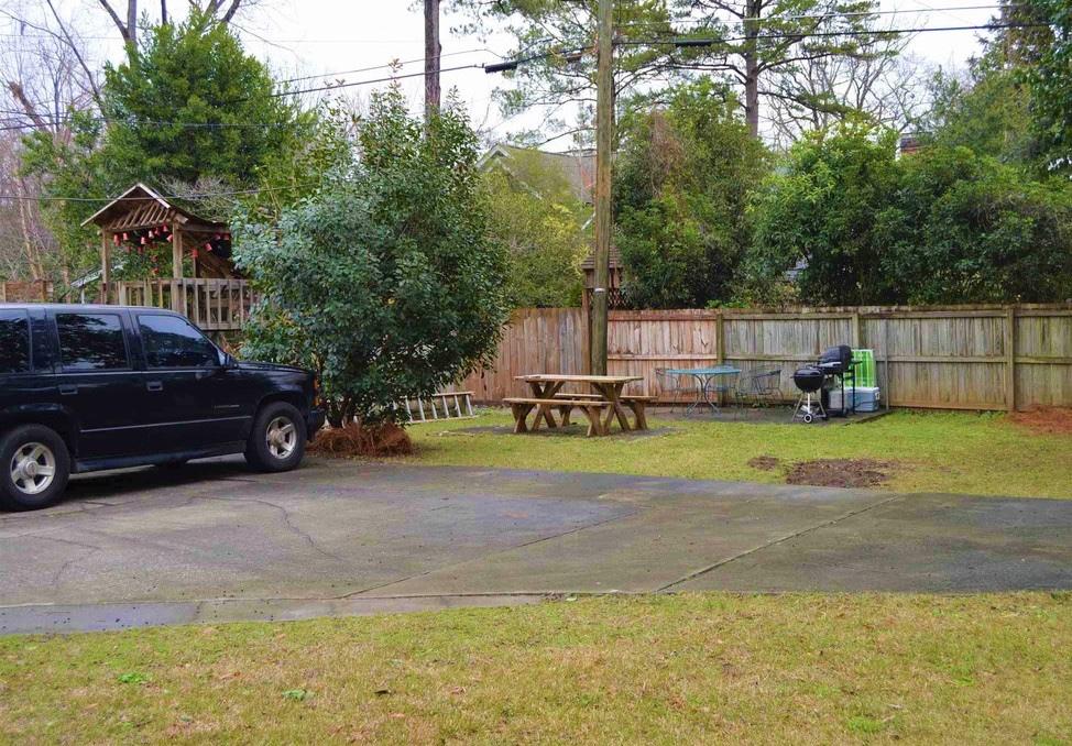 210 South Saluda Avenue,Columbia,South Carolina 29205,3 Bedrooms Bedrooms,1 BathroomBathrooms,Apartment,South Saluda Avenue,1256