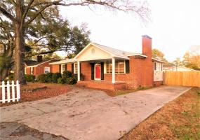 1203 Honeysuckle Street, Cayce, South Carolina 29033, 5 Bedrooms Bedrooms, ,3 BathroomsBathrooms,Home,For Rent,Honeysuckle Street,1331