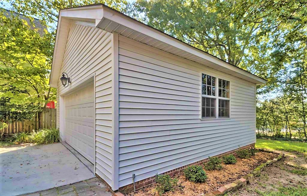 3712 Heyward Street, Columbia, South Carolina 29205, 3 Bedrooms Bedrooms, ,2.5 BathroomsBathrooms,Home,For Rent,Heyward Street,1356