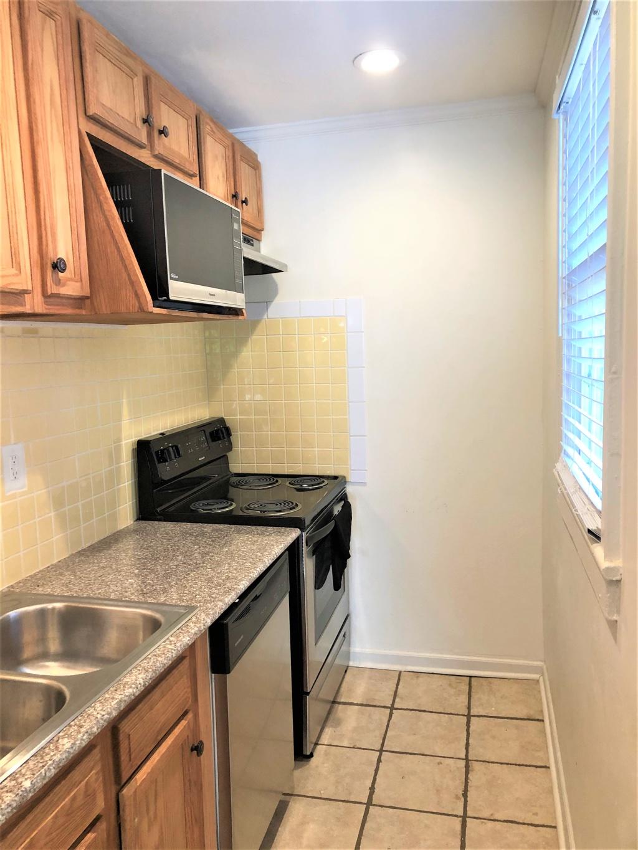 2123 Marion Street,Columbia,South Carolina 29201,1 Bedroom Bedrooms,1 BathroomBathrooms,Home,Marion Street,1370