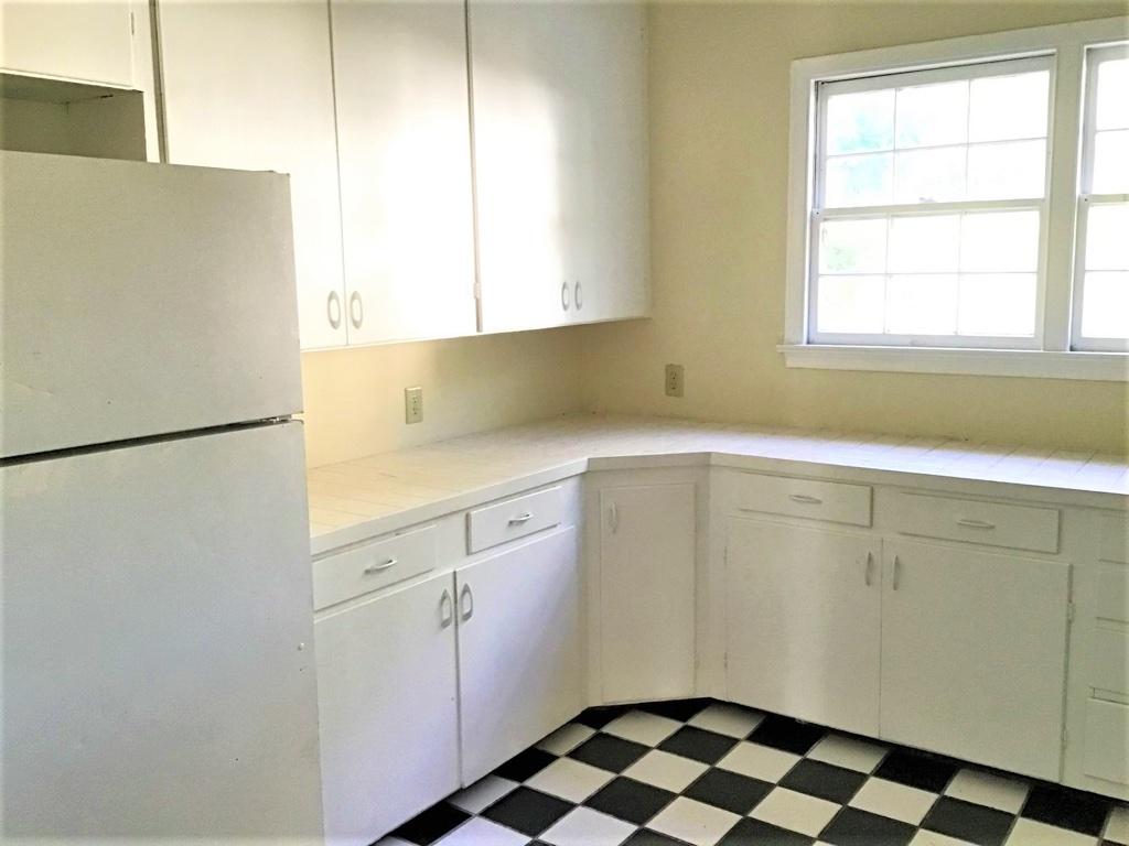 4225 Devine Street, 3 Bedrooms Bedrooms, ,2 BathroomsBathrooms,Home,For Rent,Devine Street,1420
