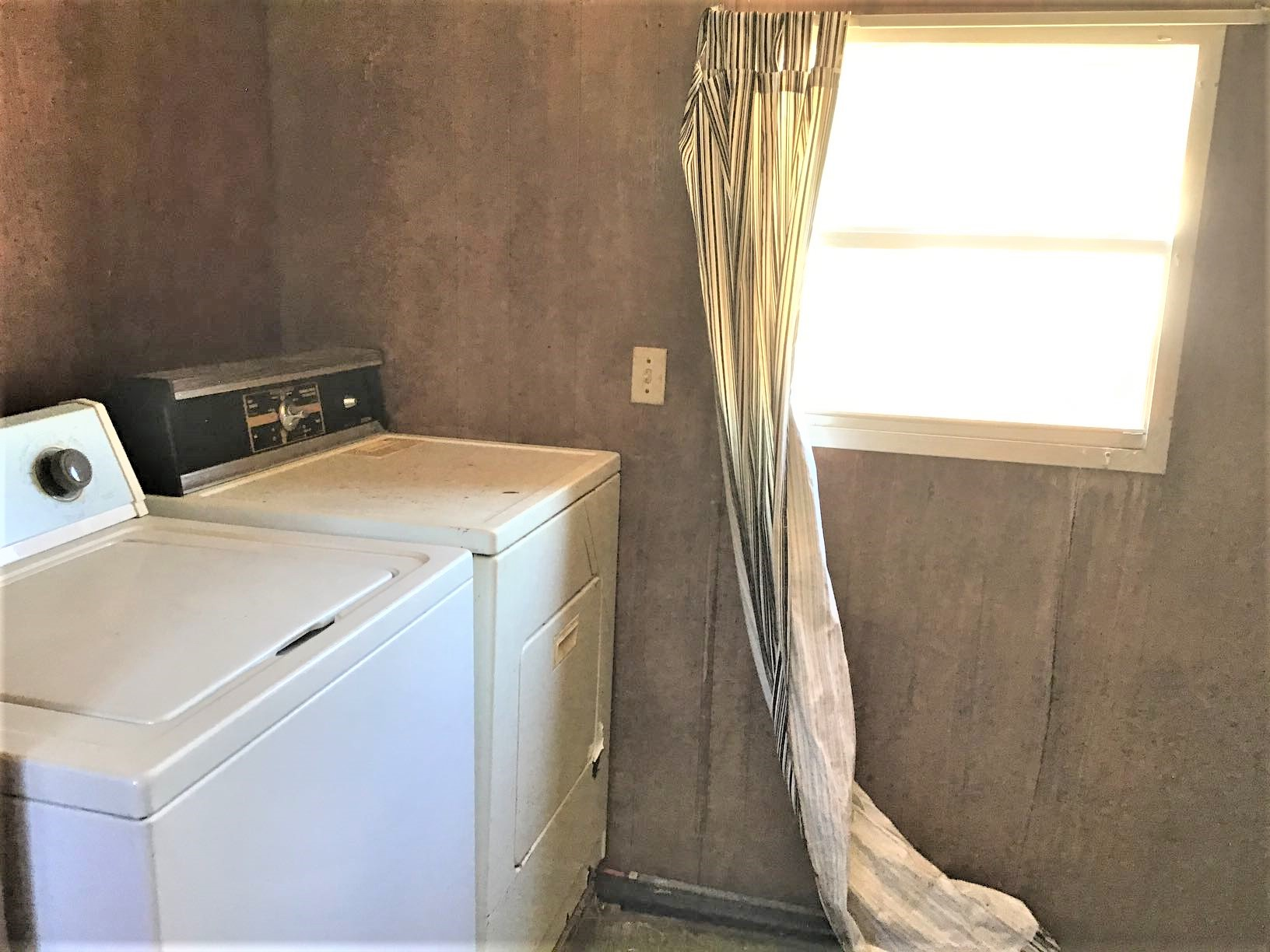 236-15 Emory Road, 1 Bedroom Bedrooms, ,1 BathroomBathrooms,Home,For Rent,Emory Road,1479
