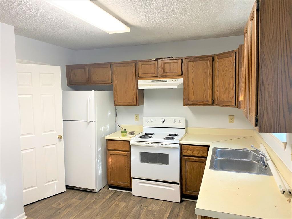 208-B Wynn Way, 2 Bedrooms Bedrooms, ,1 BathroomBathrooms,Apartment,For Rent,Wynn Way,1514