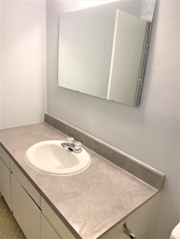 1300-207 Johnson Avenue, 2 Bedrooms Bedrooms, ,1 BathroomBathrooms,Apartment,For Rent,Johnson Avenue,1521