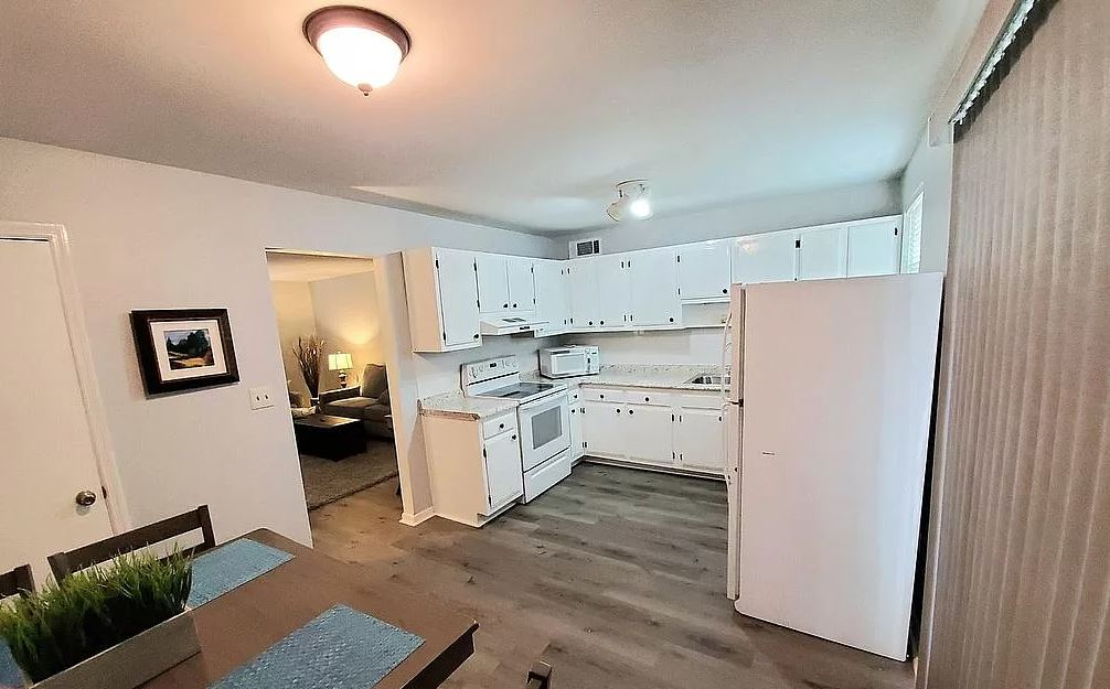 1012-A Carriage Drive, 2 Bedrooms Bedrooms, ,1 BathroomBathrooms,Apartment,For Rent,Carriage Drive,1542